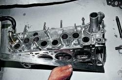 Razborka golovki bloka cilindrov, pritirka klapanov