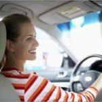 Какую машину купить начинающему водителю, если водитель – девушка?
