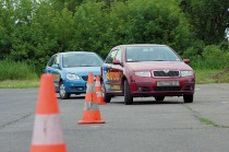 Лучше учить водителя с нуля, чем переучивать