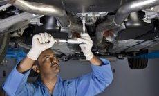 Почему стоит ремонтировать автомобиль в салоне?