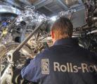Rolls-Royce на подьемнике
