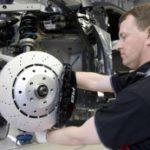 Замена тормозных колодок – доверьте ремонт мастерам.