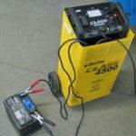 Зарядное устройство для АКБ защитит вас от неприятностей